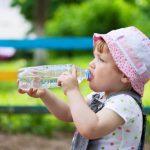 Bere fuori casa: quale bottiglietta scegliere per i nostri bambini